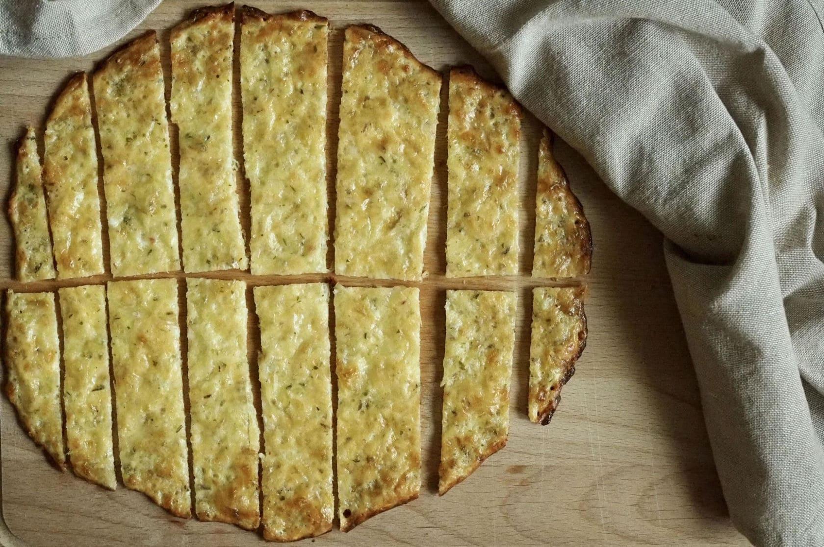sýrovo-česnekové tyčinky